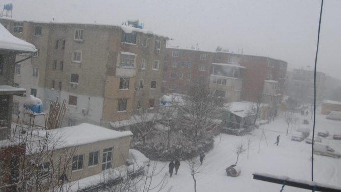 S'kemi parë gjë akoma, meteorologët japin lajmin: Borë dhe në Tiranë, ja kur…
