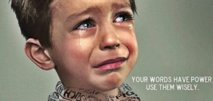 Këshilla e psikologëve: Asnjëherë mos i thuaj këto 5 fjali fëmijës tuaj