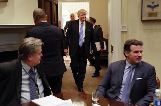 """Sot del libri që """"The Donald"""" donte ta ndalonte"""