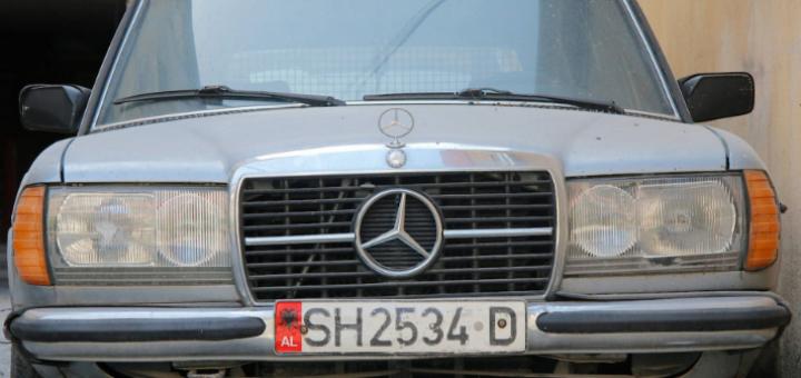 Pse shqiptarët çmenden pas Benz-it? Gazetari gjerman realizon foto-reportazhin që jep përgjigje