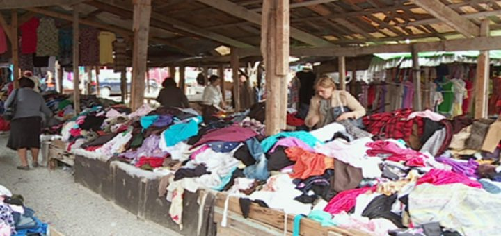 """Gruaja nga Elbasani blen rroba te """"Gabi"""", befasohet nga ajo që gjen"""