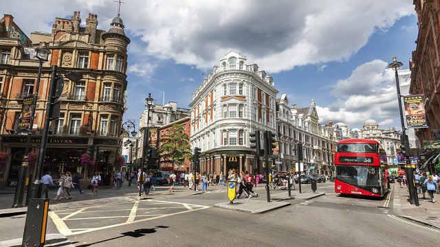 Zbulohet sekreti pse emigrantët shqiptarë në Angli sjellin shumë para në atdhe