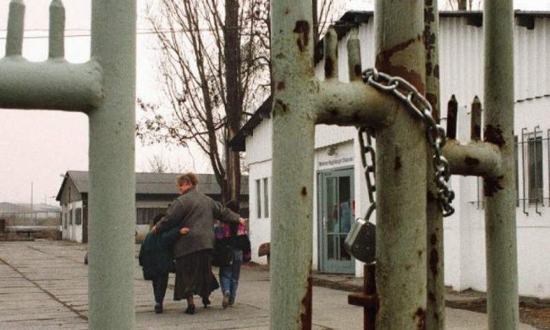Familjes shqiptare me 7 anëtarë në Gjermani i ndodh gjëma, u shkojnë në 2 të natës në shtëpi dhe…