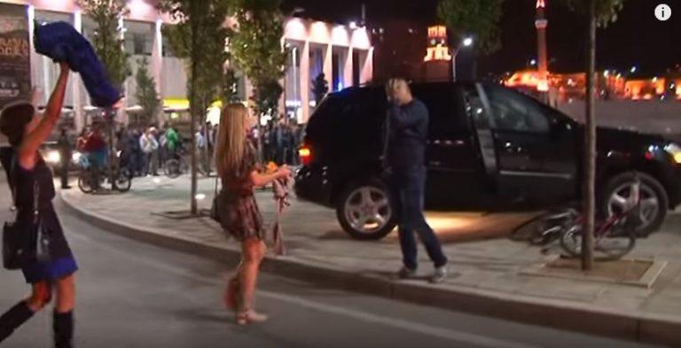 Vajza kujton se i fejuari ka bërë aksident, por në mes të Tiranës ajo merr propozimin për martesë. Kjo video ka bërë namin dhe do t'ju përlotë