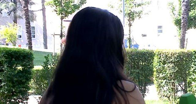 'Më ngacmonte shefi', e reja shqiptare publikon mesazhet me pullë të kuqe (Video)